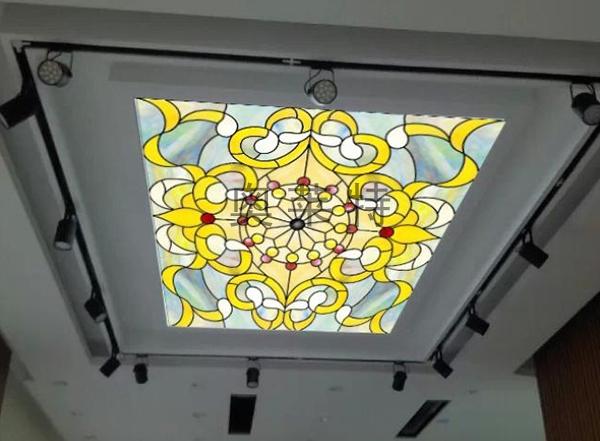 彩绘玻璃吊顶壁画